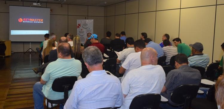 Workshop na Reymaster apresentou produtos da marca Schneider para a construção civil